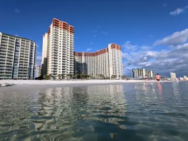 Luxury Condo, 14th floor 1BR+1bunk BR, 2BA - Thumbnail Image #23