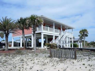 Summer Wind   {{City}}, {{State}} Vacation Rental   #2
