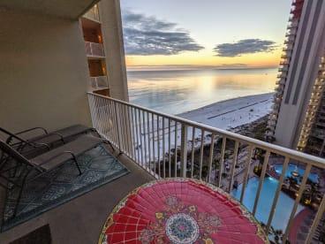 Luxury Condo, 14th floor 1BR+1bunk BR, 2BA - Thumbnail Image #22