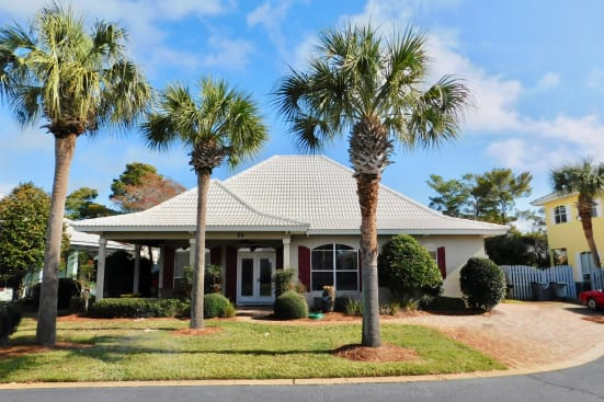 Sunny and Share- Located in the beautiful gated community of Emerald Shores!