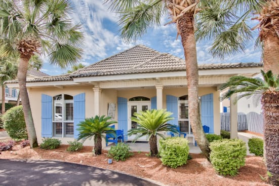 Selah By The Sea - Walk to the beach Emerald Shores Community