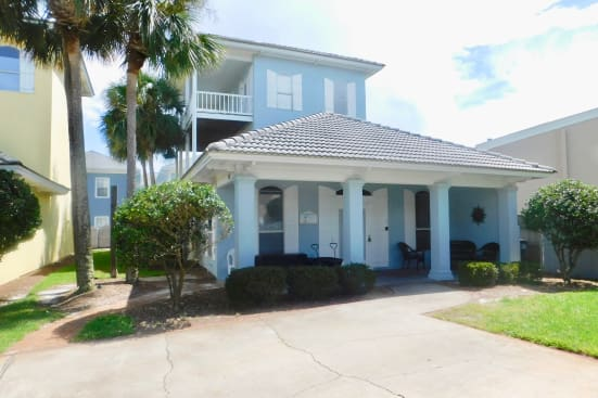 The Crabby Hunter-New Owners and recently Renovated!  Located in Gated Community of Emerald Shores