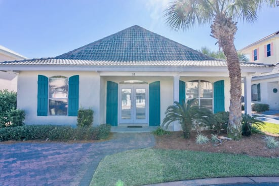 7 Seas~ in Gated Emerald Shores with 2 Pools, 1 heated, tennis, Private Beach
