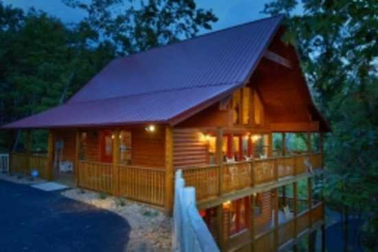Mountain Crest - Pigeon Forge, TN Cabin Rental (1)