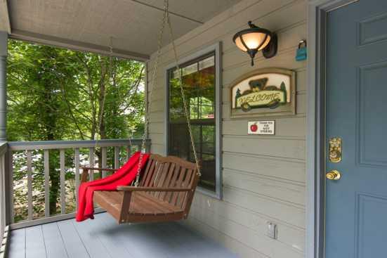 Woodridge Village - Pigeon Forge, TN Cabin Rental (1)