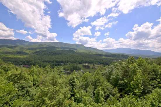 Cobbly Nob - Gatlinburg, TN Condo Rental (1)
