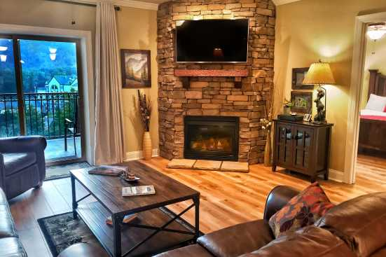 Summit Manor - Gatlinburg, TN Condo Rental (1)