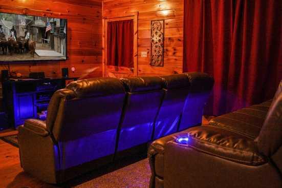 The Oaks - Sevierville, TN Cottage Rental (1)