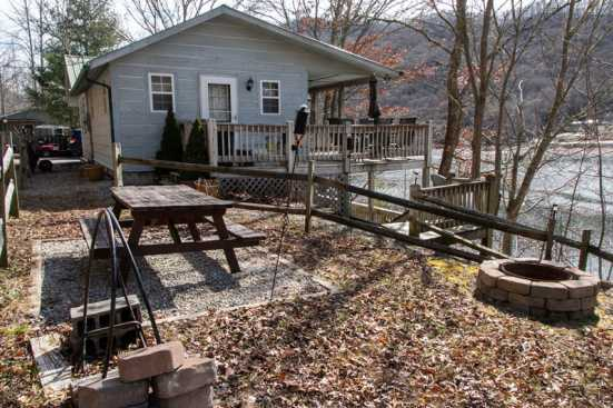 Hiawassee - Chatuge Lake, GA Cabin Rental (1)