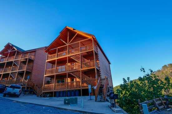 Black Bear Ridge Resort - Pigeon Forge, TN Lodge Rental (1)