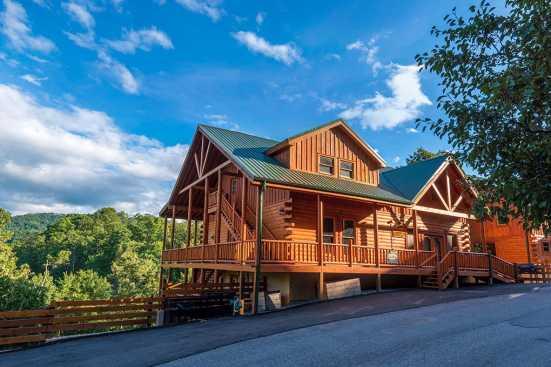 Sherwood Forest Resort - Pigeon Forge, TN Cabin Rental (1)