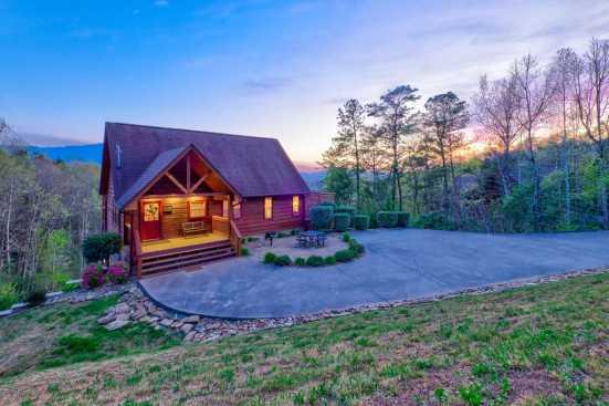 Smoky Heights - Gatlinburg, TN Cabin Rental (1)