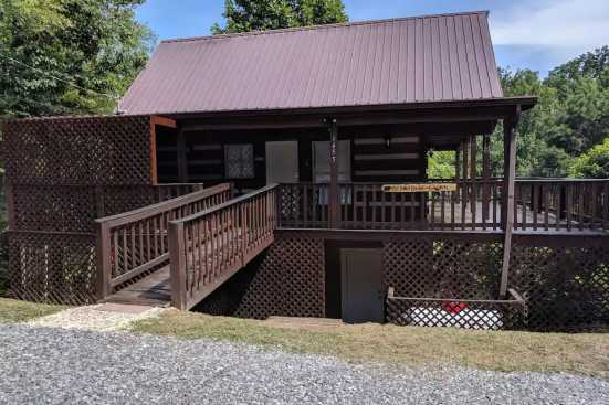 Bluff Mountain - Pigeon Forge, TN Cabin Rental (1)