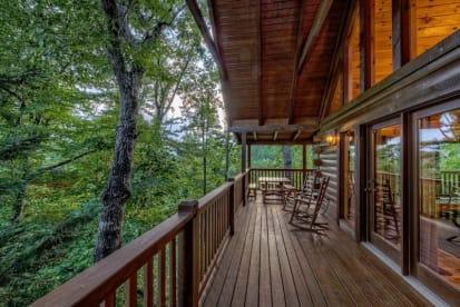 Black Bear Falls Resort - Gatlinburg, TN Cabin Rental (1)