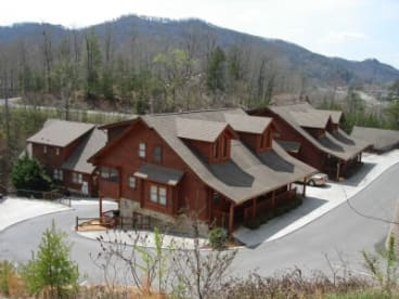 Dollywood Area - Pigeon Forge, TN Duplex Rental (1)