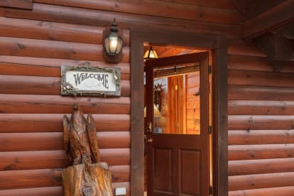 Black Bear Falls Resort - Gatlinburg, TN Lodge Rental (1)