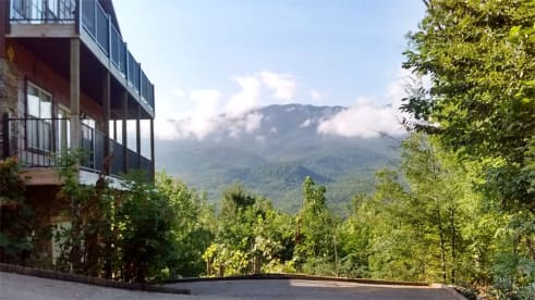 Pittman Center - Gatlinburg, TN Cabin Rental (1)