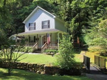 Baskins Creek Falls  - Gatlinburg, TN House Rental (1)
