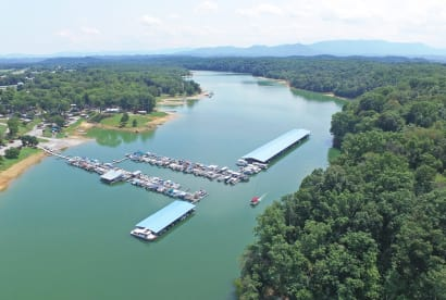 Dandridge - Douglas Lake, TN House Rental (1)