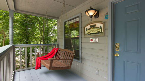 Woodridge Village - Pigeon Forge, TN Cabin Rental (1)