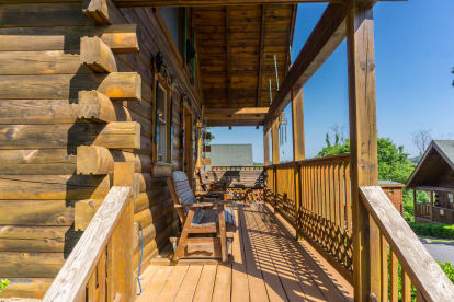 Pin Oak Resort - Pigeon Forge, TN Cabin Rental (1)