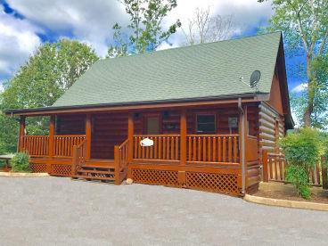 Bear Creek Crossing Resort - Pigeon Forge, TN Cabin Rental (1)