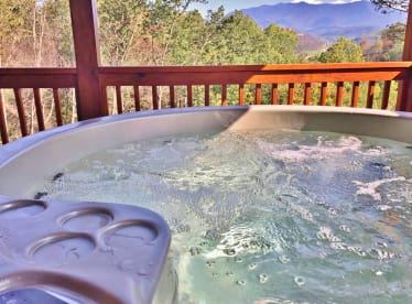 Cove Mountain Resorts - Gatlinburg, TN Cabin Rental (1)