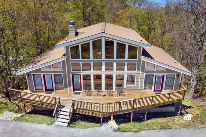 Gatlinburg, Tennessee Chalet Rental - Gallery Image #1