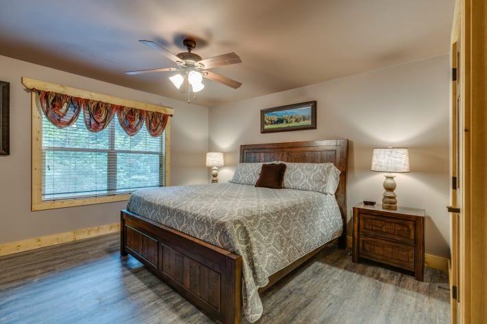 Gatlinburg, Tennessee Chalet Rental - Gallery Image #17