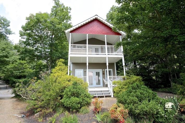 Gatlinburg, Tennessee Cottage Rental - Gallery Image #2