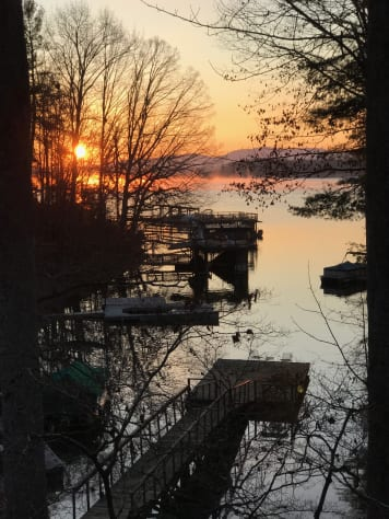 Lake James, North Carolina Cabin Rental - Gallery Image #20