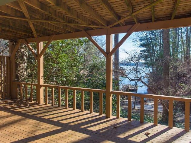 Lake James, North Carolina Cabin Rental - Gallery Image #15