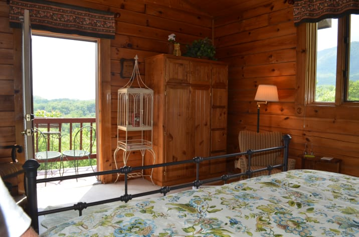 Bristol, Tennessee Lodge Rental - Gallery Image #4