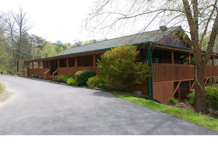 Beautiful Front Entrance To The Lodge At Douglas Lake. Sevierville, Tennessee  Cabin Rental   Gallery Image #24. Spacious Bathrooms