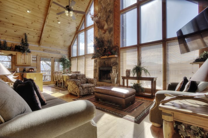 Sevierville, Tennessee Chalet Rental - Gallery Image #2