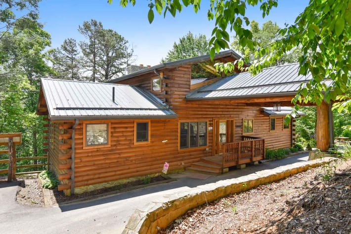 Clyde, North Carolina Cabin Rental - Gallery Image #1