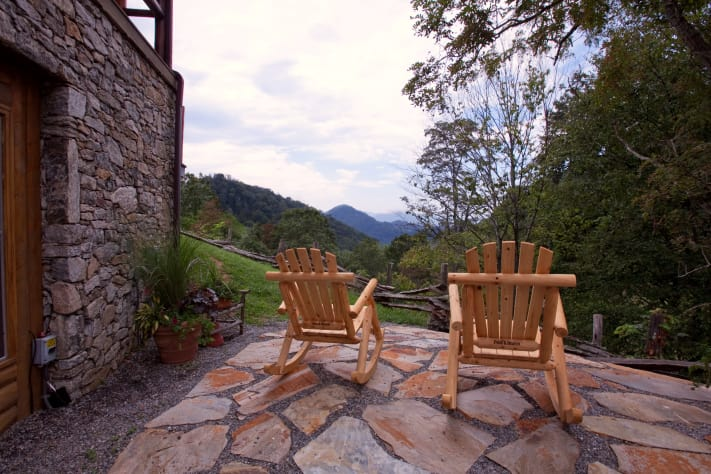 Asheville, North Carolina Farmhouse Rental - Gallery Image #5