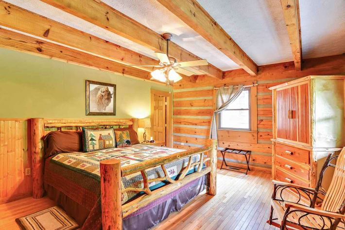 Clyde, North Carolina Cabin Rental - Gallery Image #7