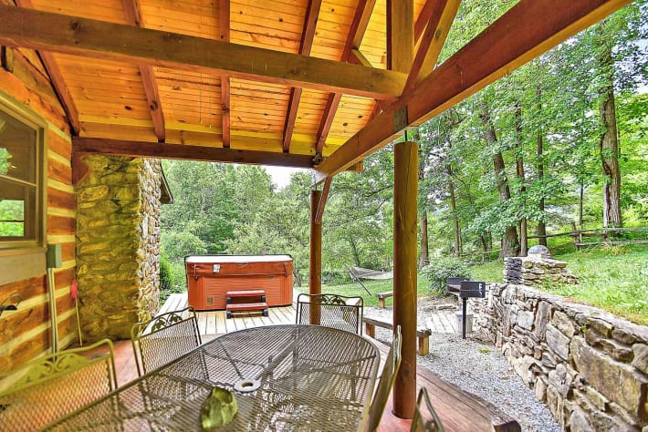 Clyde, North Carolina Cabin Rental - Gallery Image #12