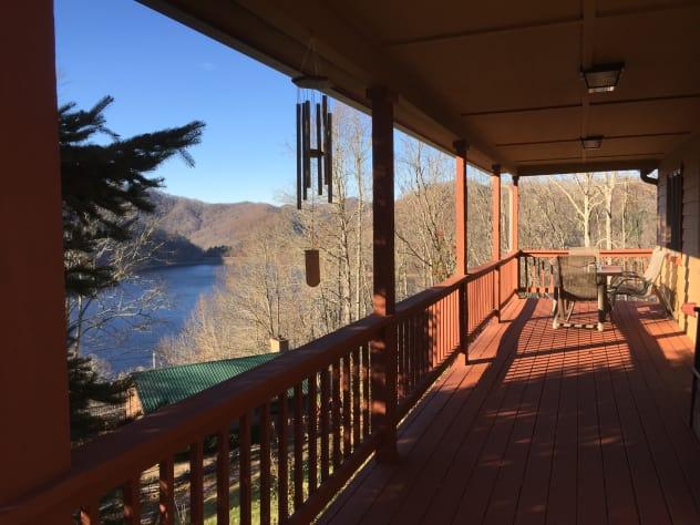 Nantahala Lake, North Carolina House Rental - Gallery Image #1