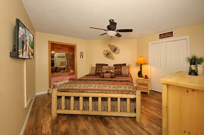 Gatlinburg, Tennessee Chalet Rental - Gallery Image #11