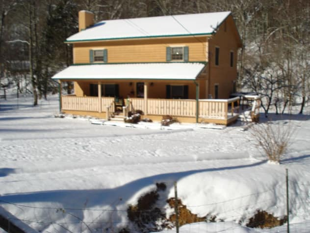 Sevierville, Tennessee Farmhouse Rental - Gallery Image #4