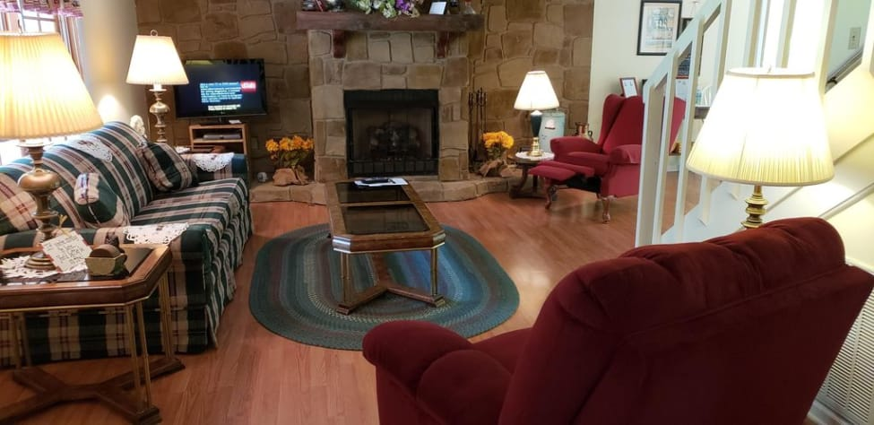 Sevierville, Tennessee Farmhouse Rental - Gallery Image #10