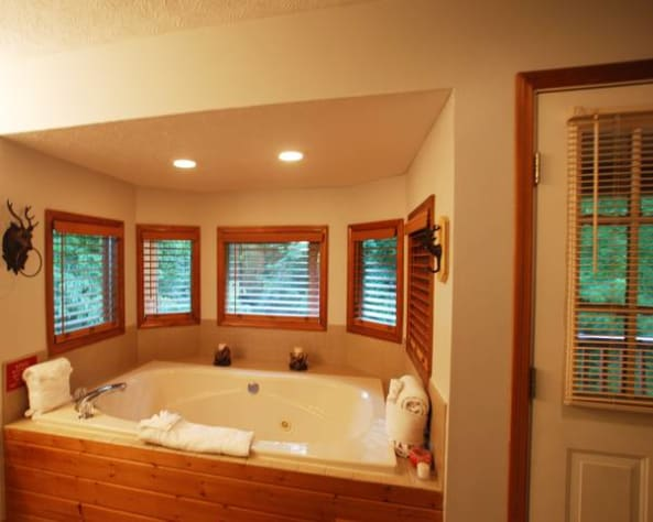 Pigeon Forge, Tennessee Cabin Rental - Gallery Image #5