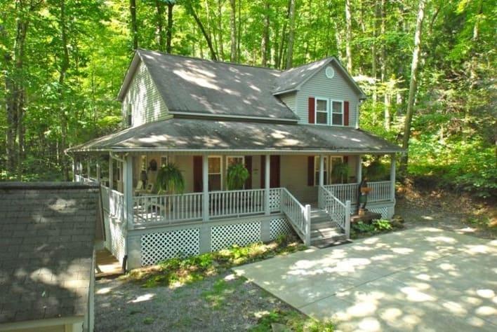 Maggie Valley, North Carolina Cabin Rental - Gallery Image #1
