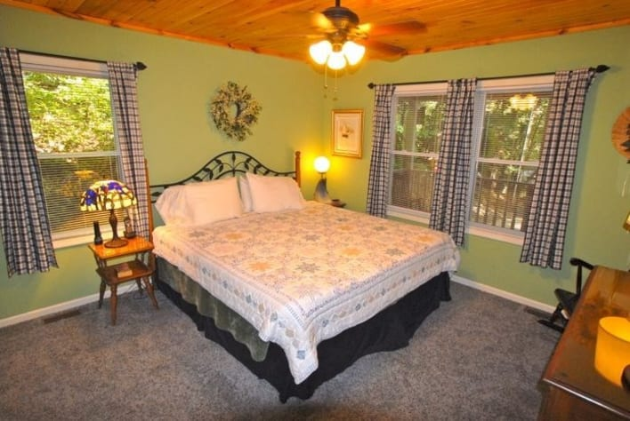 Maggie Valley, North Carolina Cabin Rental - Gallery Image #11