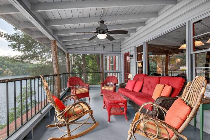 Lake Lure, North Carolina Cottage Rental - Gallery Image #4