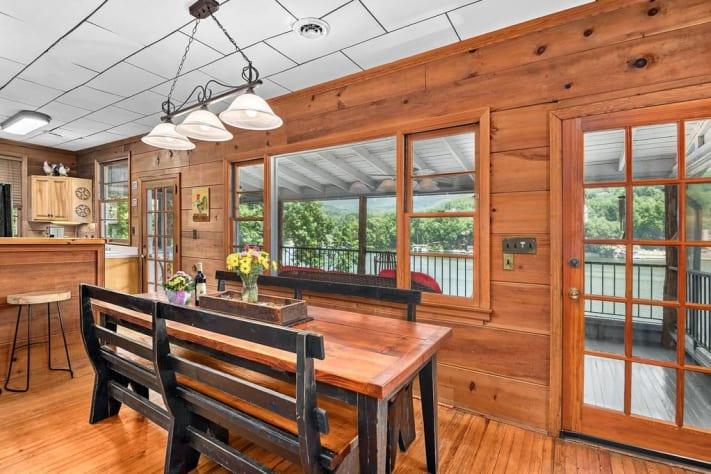 Lake Lure, North Carolina Cottage Rental - Gallery Image #6