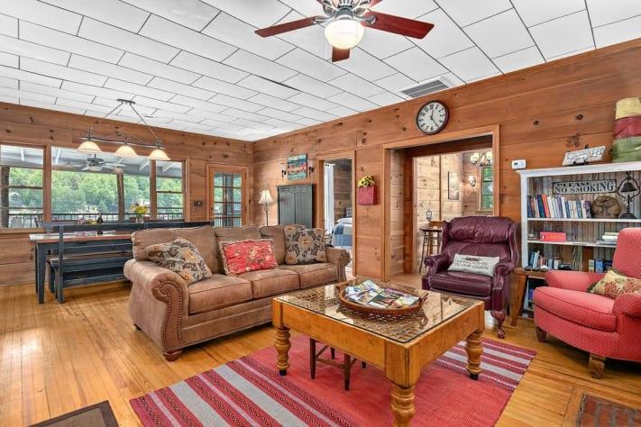 Lake Lure, North Carolina Cottage Rental - Gallery Image #7