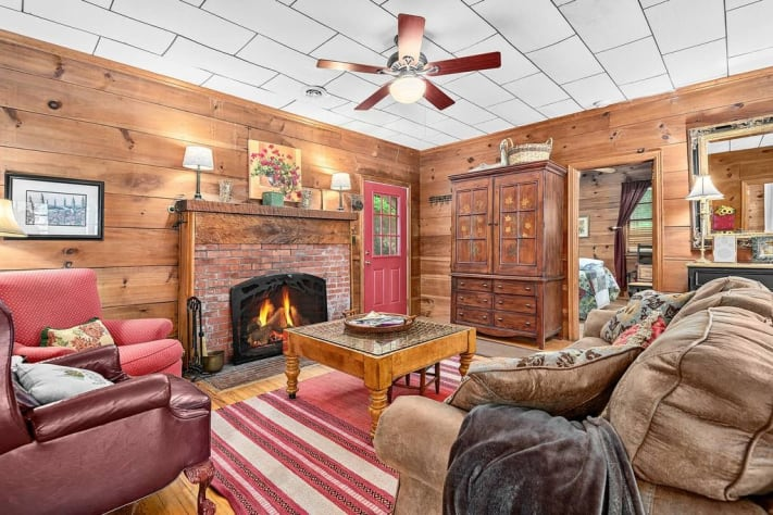 Lake Lure, North Carolina Cottage Rental - Gallery Image #8